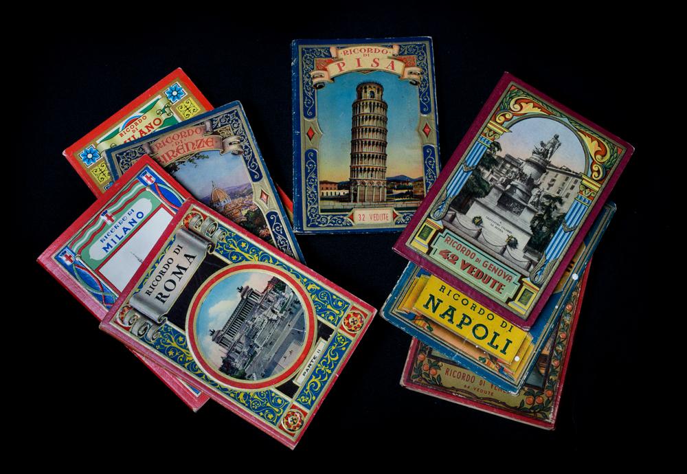 Ricordo d'Italia souvenir books